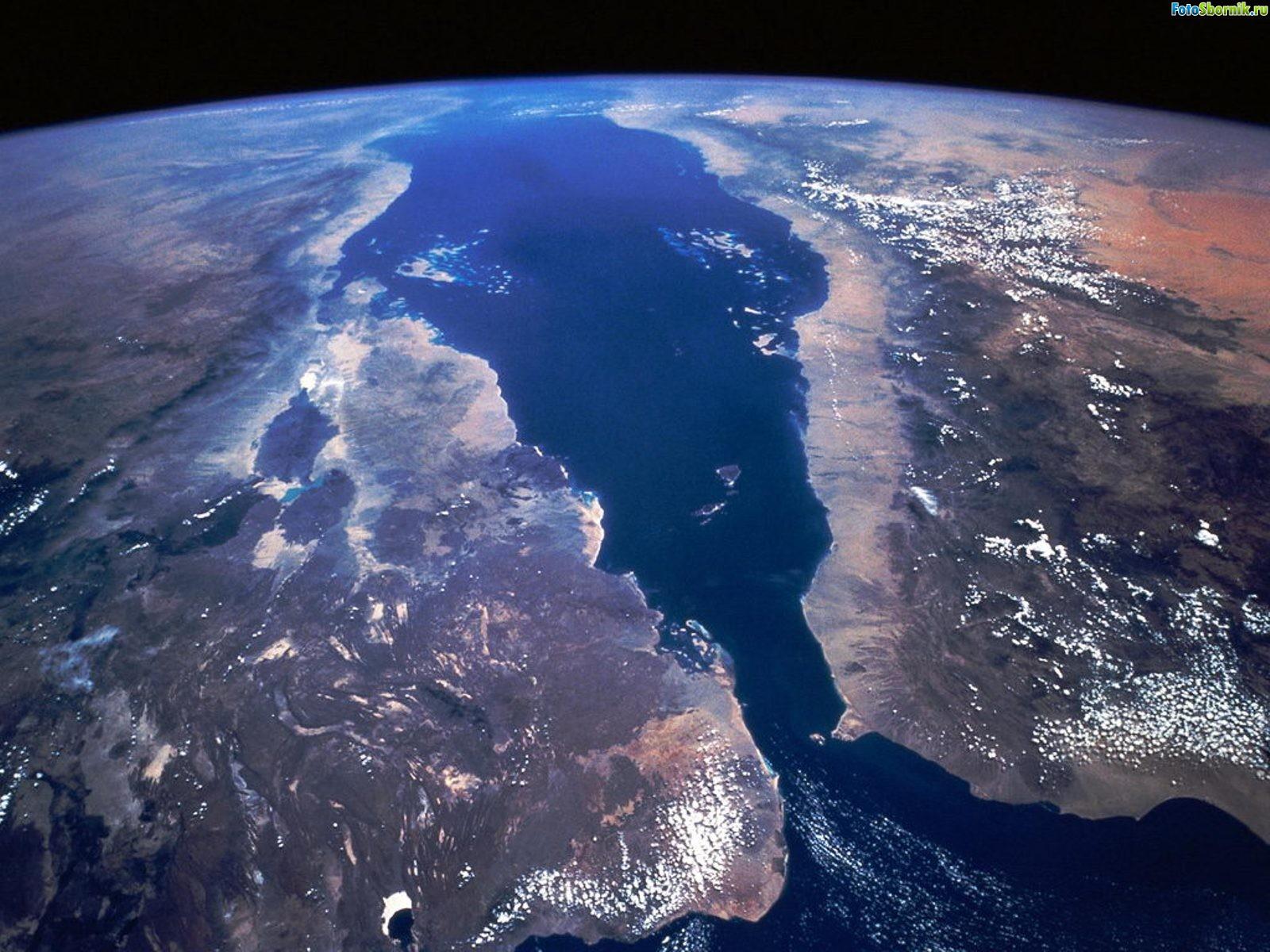 Красное море со спутника