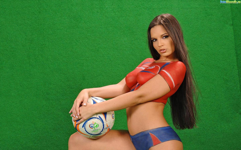 Спорт в голые девчонки 7 фотография