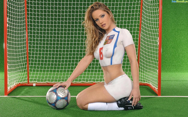Футбольный боди арт англия